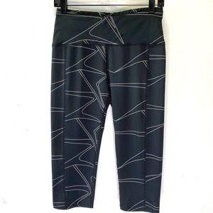 Oiselle cropped black leggings size 08